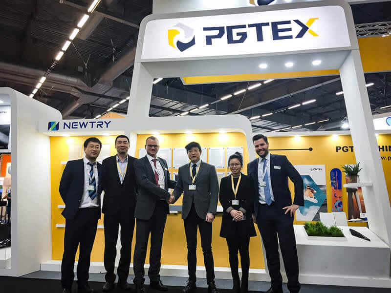 Foundation stone for a long-term partnership between PGTEX and Hennecke: successful transaction for a combined production plant for wet shot and HP-RTM applications at the JEC trade fair in Paris.