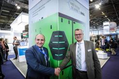 ENGEL Austria GmbH is looking forward to receive of the world's first STREAMLINE MK2 for use in the company's own lightweight construction technology centre. From left to right: Matthias Mayr (Head of ENGEL Composite Systems), Jens Winiarz (Head of Composites & Advanced Applications, Hennecke GmbH)